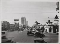 [Wilshire Boulevard, looking west from La Brea]