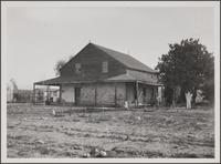 [G. M. Guzman homestead at Shenandoah Street and Cadillac Avenue]