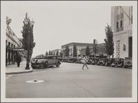 [Beverly Hills, looking down Beverly Drive from Santa Monica Boulevard toward southeast]