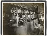 Separating the beet sugar from the syrup by centrifugale, California