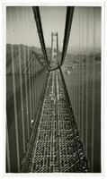 Golden Gate Bridge construction, laying of road span
