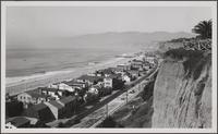 Looking toward beach from west of Montana Avenue, Santa Monica
