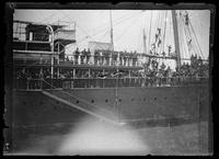 Troops aboard steamship departing for Philippines, San Francisco Bay
