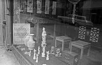 Window display, Chinatown