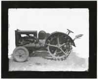 Agricultural machine,  between 1910 and 1919