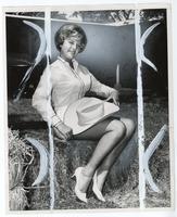 Potrait of cowgirl Sharon Reffke