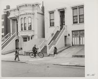Children playing in front of residences, San Francisco