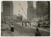 Removing debris at Third, Kearney [i.e. Kearny] and Market Sts., San Francisco, 1906