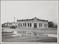 Oil rigs on northwest corner of 17th Street and Pennsylvania Avenue, Santa Monica;