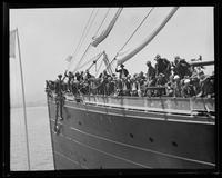 Troops departing for Philippines aboard S.S. Peru, San Francisco Bay