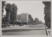 Looking southeast on 4th Street from Montana Avenue, Santa Monica