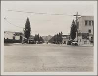 Beverly Hills, looking down Rodeo Drive from Santa Monica Boulevard toward Wilshire
