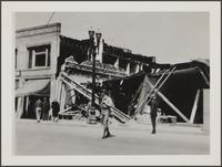 Store on Main Street, Compton