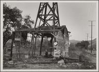 Well and rig, Glendale Avenue near Verdugo Road